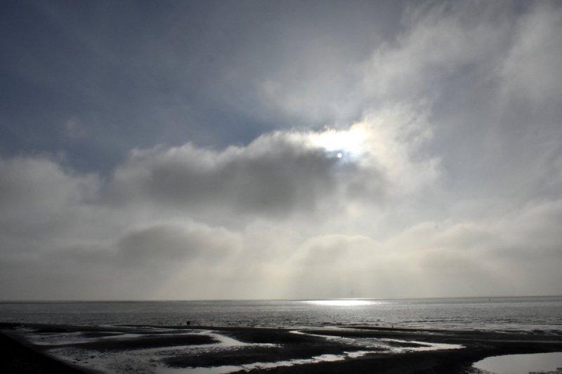 Ook op Terschelling naast wolken ook zon. De foto werd gemaakt door Sytse Schoustra.