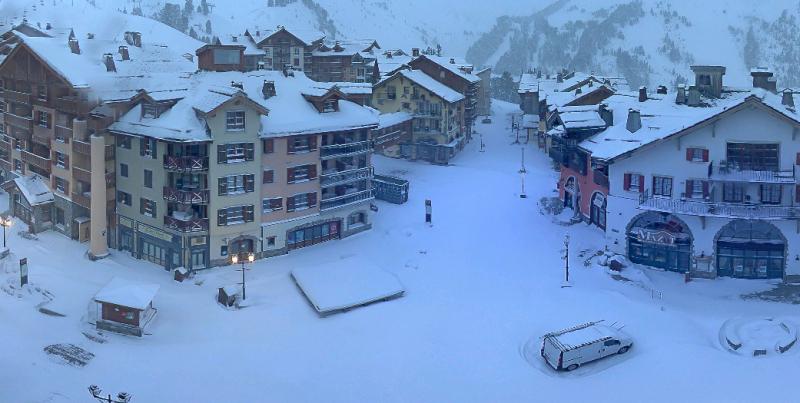 Op en top winters hier in Arc 1950. Vandaag valt er nog zo'n 20 m sneeuw bij. Bron: webcam Arc 1950