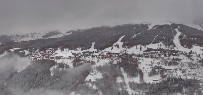 De pistes in Peisey Vallandry gezien vanaf de Vanoise Expres liggen er wit bij. Bron: bergfex.com
