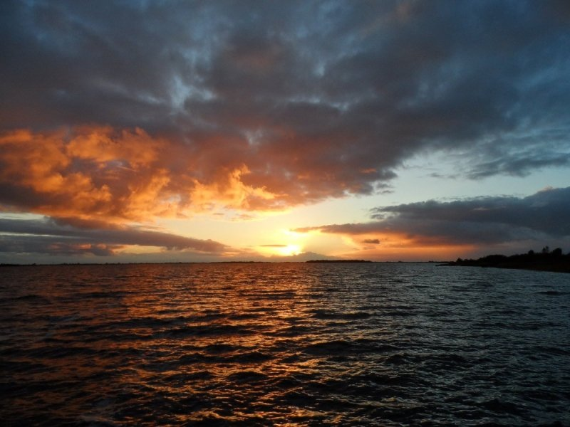 een prachtige foto van de zonsondergang. De foto werd gemaakt door Albert Thibaudier
