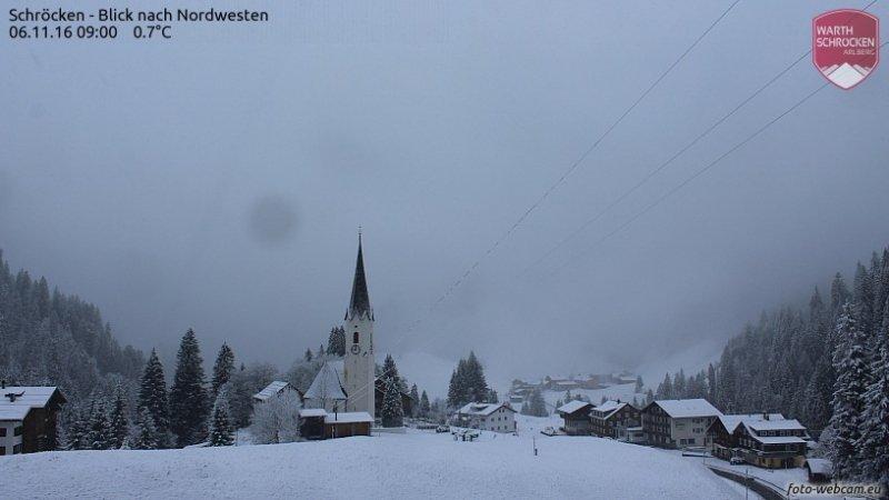 Ook reeds een mooie laag sneeuw in Schröcken. Bron: https://www.foto-webcam.eu/webcam/schroecken/