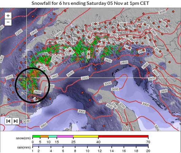 Morgen voormiddag strekt de neerslag zich wat meer uit naar het oosten. De meest intense neerslag valt nog steeds in de zuidwestelijke Alpen. Bron: snowforecast.com