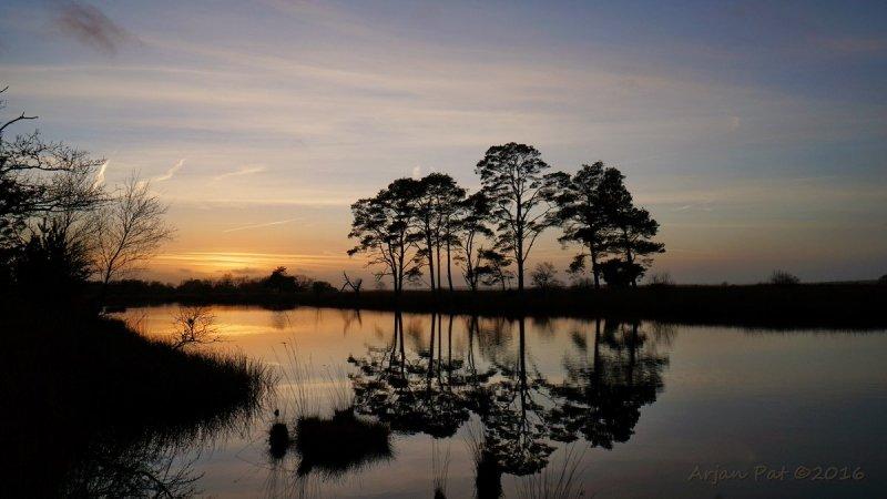 de zon ging fraai onder. Deze prachtige foto werd gemaakt door Arjan Pat.
