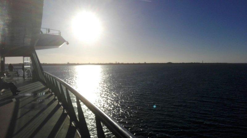 Ook bij de overtocht naar Texel scheen de zon. De foto werd gemaakt door mijn zoon Wesley.