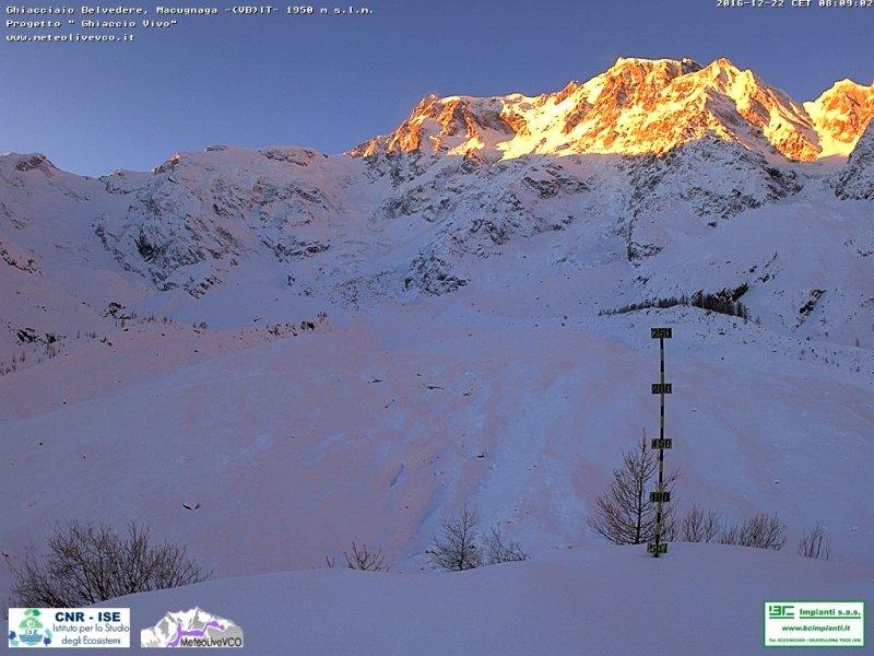 Afgelopen dagen viel er in Piemonte veel sneeuw. De condities zijn hier zeer goed. Bron: bergfex webcam Macugnaga