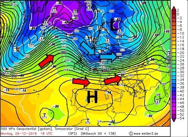 Weerkaart voor tweede Kerstdag waarin koudere lucht vanuit het noordwesten weer in de buurt van het Sauerland komt. Samen met neerslag kan dit vooral in de avond van tweede kerstdag interessant worden. Bron: Wetter3