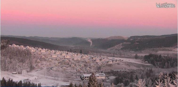 Zonsopgang vanochtend boven Winterberg. Een deels witte wereld dankzij rijpvorming. Bron: Bergfex