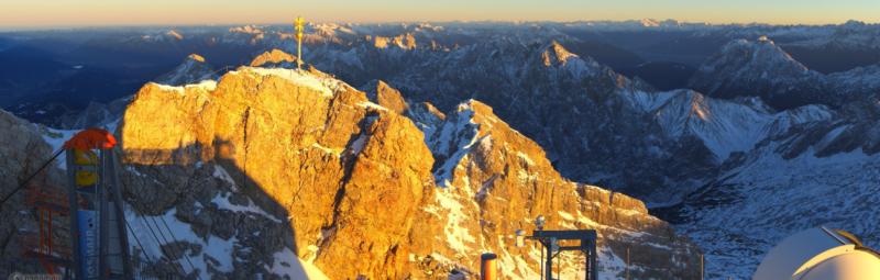 Zonsondergang op de Zugspitze gisteren avond. Bron: roundshot.com