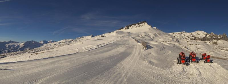Goede condities nabij Laax. De pistes zijn perfect geprepareerd, met behulp van sneeuwkanonnen. Bron: roundshot.com