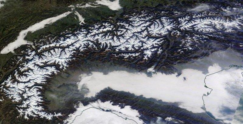 Het beeld van 10 december zegt al genoeg. Bijna geen wolkje aan de lucht en groene dalen.