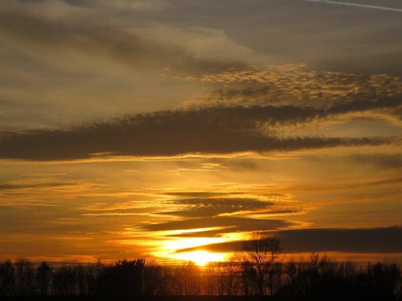 Ook Carla (@carla1968) maakte een fraaie kleurrijke foto van de zonsondergang.