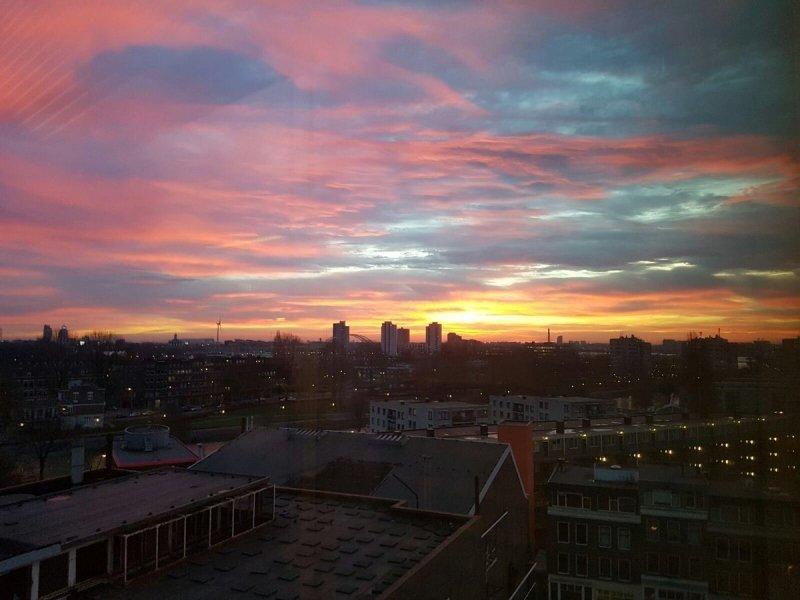 deze fraaie foto van het ochtendrood werd gisteren gemaakt door Marcus (@cousiecousie2)