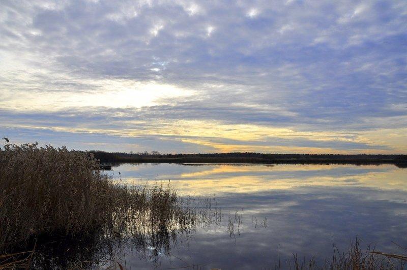 Wolkenvelden, maar soms ook spaarzame opklaringen. Deze foto werd gemaakt door Ben Saanen.