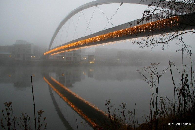 Maastricht in de mist. Deze prachtige foto werd gemaakt door Aggie Janssen